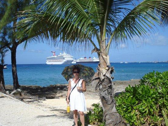 Tres Palmas Inn: Cruise with Carnival Valor