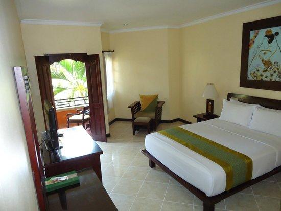 Adi Dharma Hotel: Spacious Room