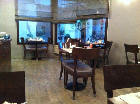 Hôtel L'interlude : Salle du petit déjeuner