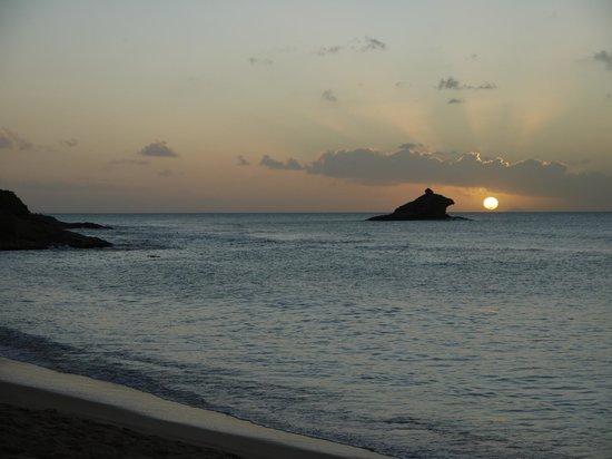 Hawksbill by Rex Resorts: Sunset at Hawksbill