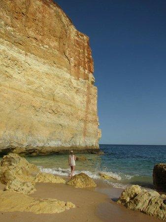 Praia de Benagil: Benagil hidden gem of a striking scenery beach