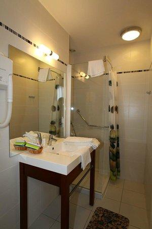 Hotel Le Patio: Salle de bain douche 1