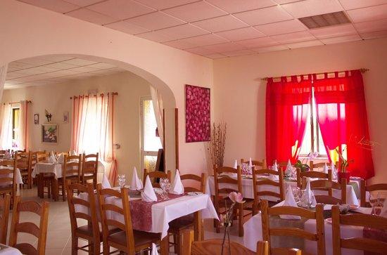 Il Vesuvio: otra sala del restaurante