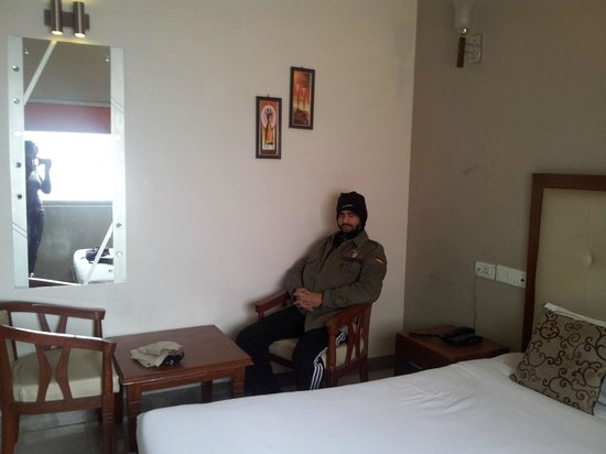 Hotel Devi Ram Palace: Bathroom