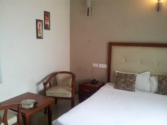 Hotel Devi Ram Palace: Bedroom