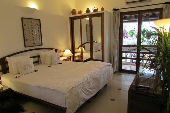 Ha An Hotel: Bed