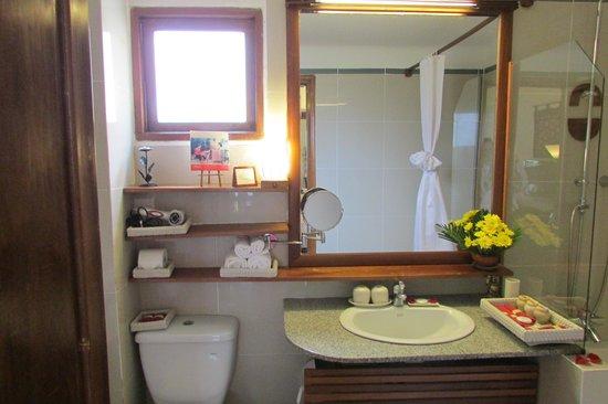 Ha An Hotel: bathroom