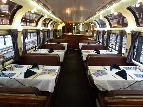 Coast Starlight : Tables for Two