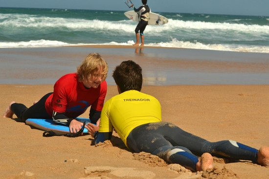 7 Essencia Surf & Bodyboard School: Bodyboard lesson - beginner level