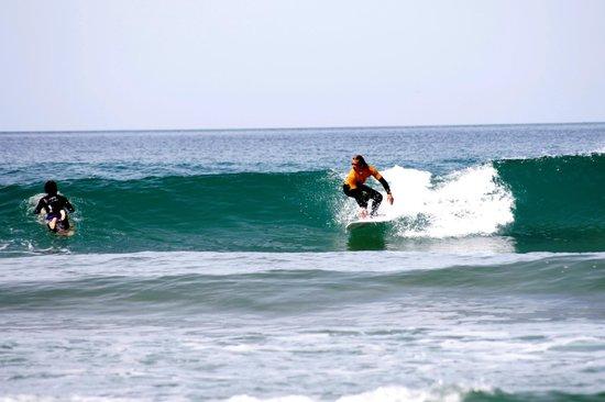 7 Essencia Surf & Bodyboard School: Surf lesson - Intermediate and advanced levels