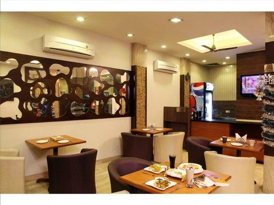 Hotel Rupam: Lobby