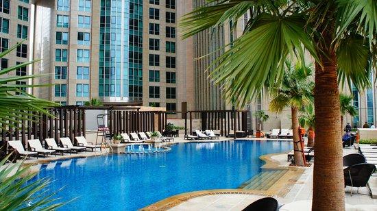 Sofitel Abu Dhabi Corniche : Piscina sofitel