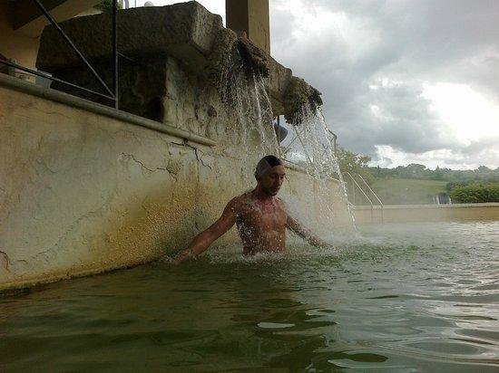 Hotel Posta Marcucci: cascata
