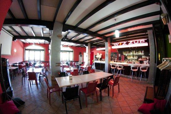 Wozzup Pizzeria Ristorante Pub