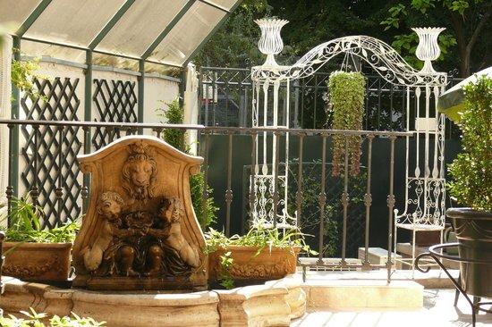 Arc de Triomphe by Residence Hotels : Hotel Terrace