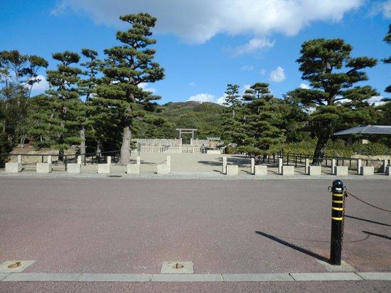 Daisenryo Ancient Tomb : 巨大古墳です