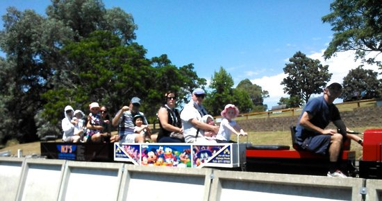 Havelock North, Nueva Zelanda: a sunny Sunday afternoon @ Keirunga Park Railway