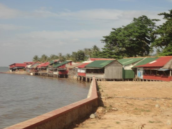 Reaksmey Krong Kep Guesthouse: The Crab Shacks