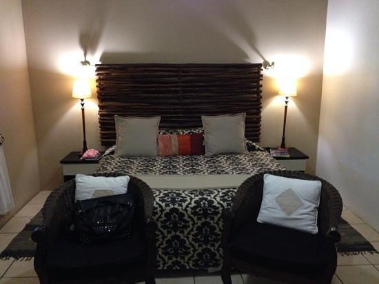 Lidiko Lodge: Nice room and comfortable beds.