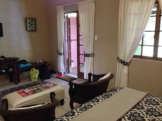 Lidiko Lodge: Nice and spacious room.