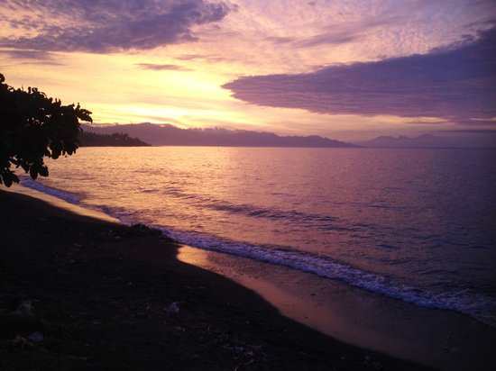 Villa Agung Beach Inn: sunset @ Lovina Beach