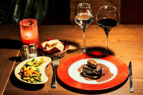 Brasserie Au Bon Plaisir: The Tournedos Rossini, of French beef or venaison. A winter must !