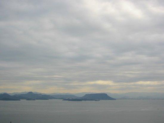 Teshima Art Museum : 超絶景 豊島⇒屋島・五剣山