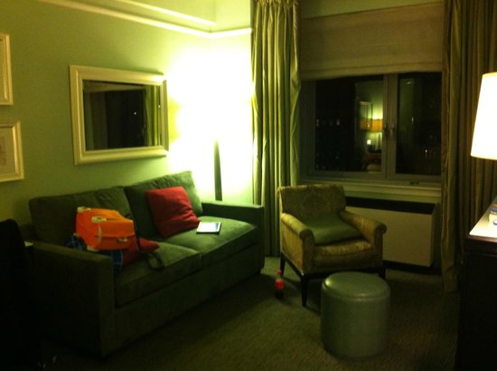 Hotel Beacon: Living Area
