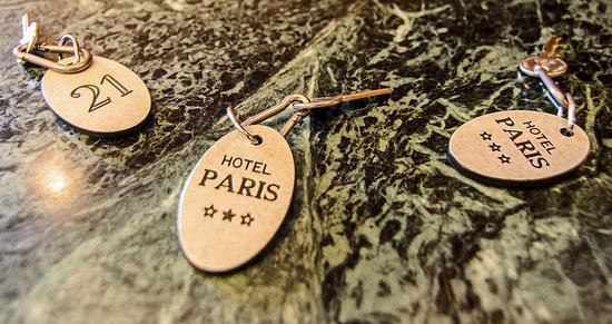 Hotel Paris: direzione