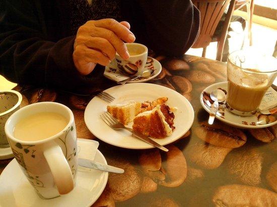 Cafe&Cake: Cafe, te y tarta.