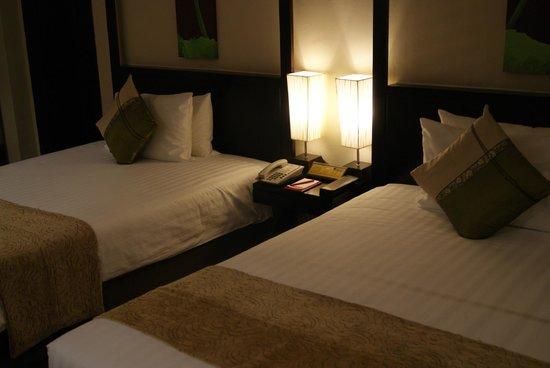 Ramada Plaza Bangkok Menam Riverside: Mein Zimmer