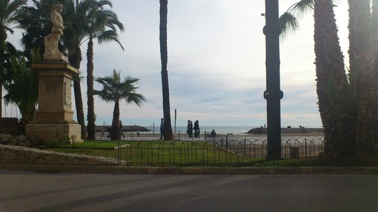 La Playa de Sitges: Waterfront at Sitges