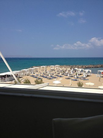 Knossos Beach Bungalows & Suites : view from main restaurant