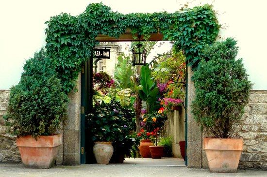 Costa Vella Hotel: Puerta jardín