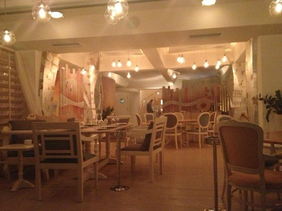 Knossos Beach Bungalows & Suites : Swell restaurant