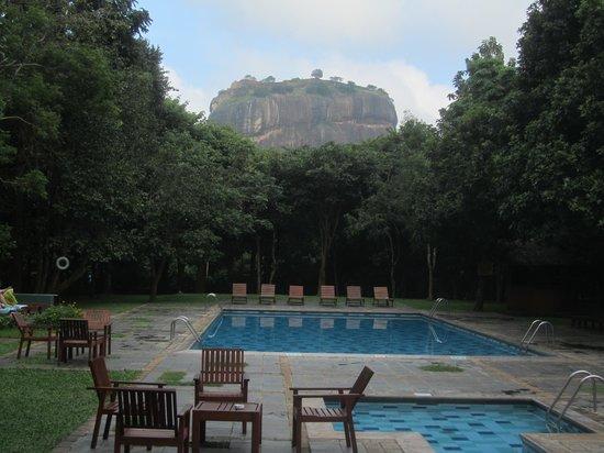 Hotel Sigiriya: pool view