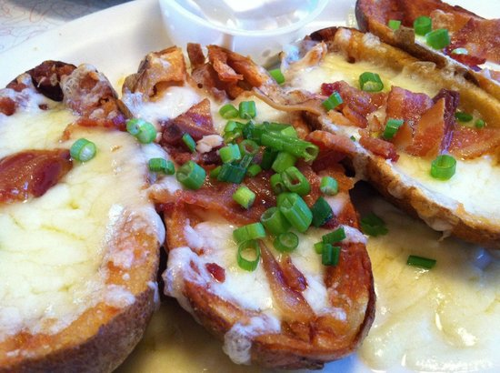 Fast Eddie's Diner : Homemade Potato Skins!