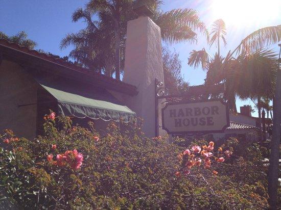 Harbor House Inn: Entrada