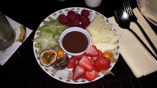 Buddha Bar : Fonduta di cioccolato e frutta