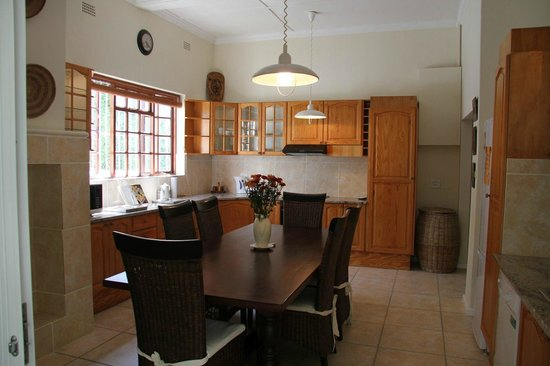 5 Camp Street Guesthouse & Self-catering: Unit 2 kitchen