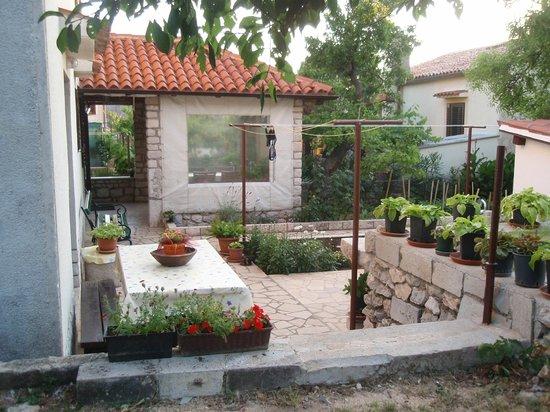 Rooms Kucic: Garden
