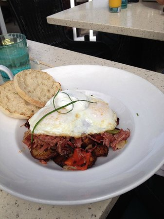 Brockton Villa Restaurant: Corned beef hash (wish I'd chosen this one)
