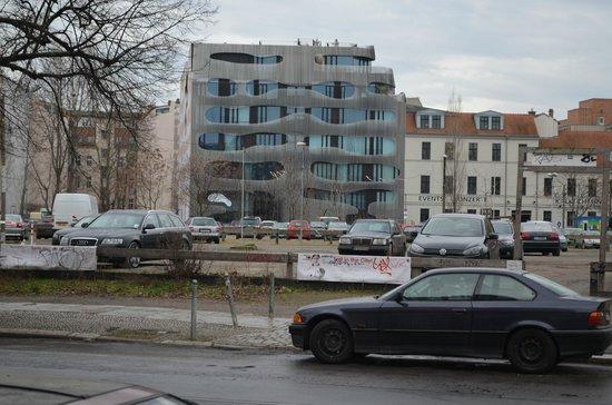 Oranienburgerstrasse: Cole Fassade