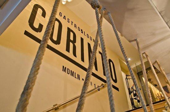 Corinto GastroLounge: Acceso restaurante Corinto