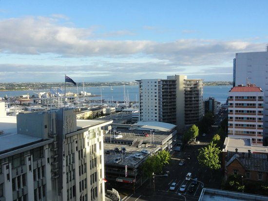 Rydges Auckland: View of Harbor Areas from Hotel Room