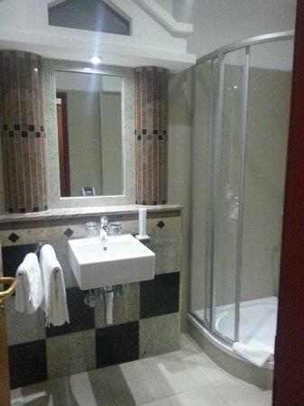 Hotel Strasser: ванная в греческом стиле