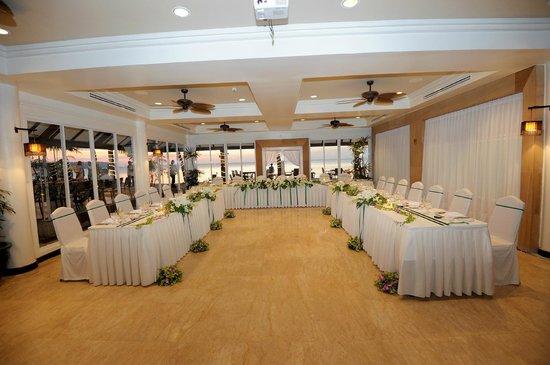 Dusit Thani Laguna Phuket : Inside Casuarina