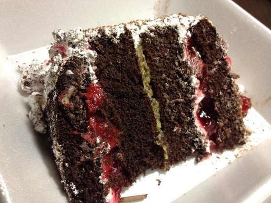 Charlie's Cafe : German night Black Forest cake