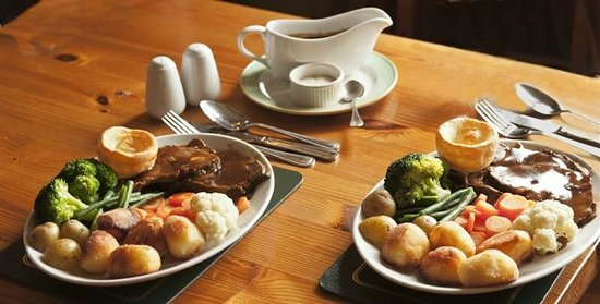 St James Tavern: Traditional Sunday Roast 2 x main course for 12€