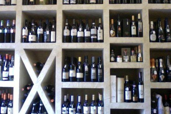 Enoteca Vini Vizi e Virtu: una piccola parte del locale